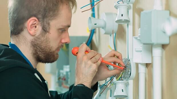 Electrician Course In UK – Skills They Train You In